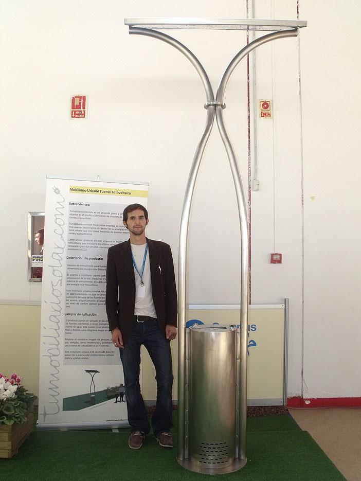 Fuente alimentada por Energía Solar para mantener agua fría