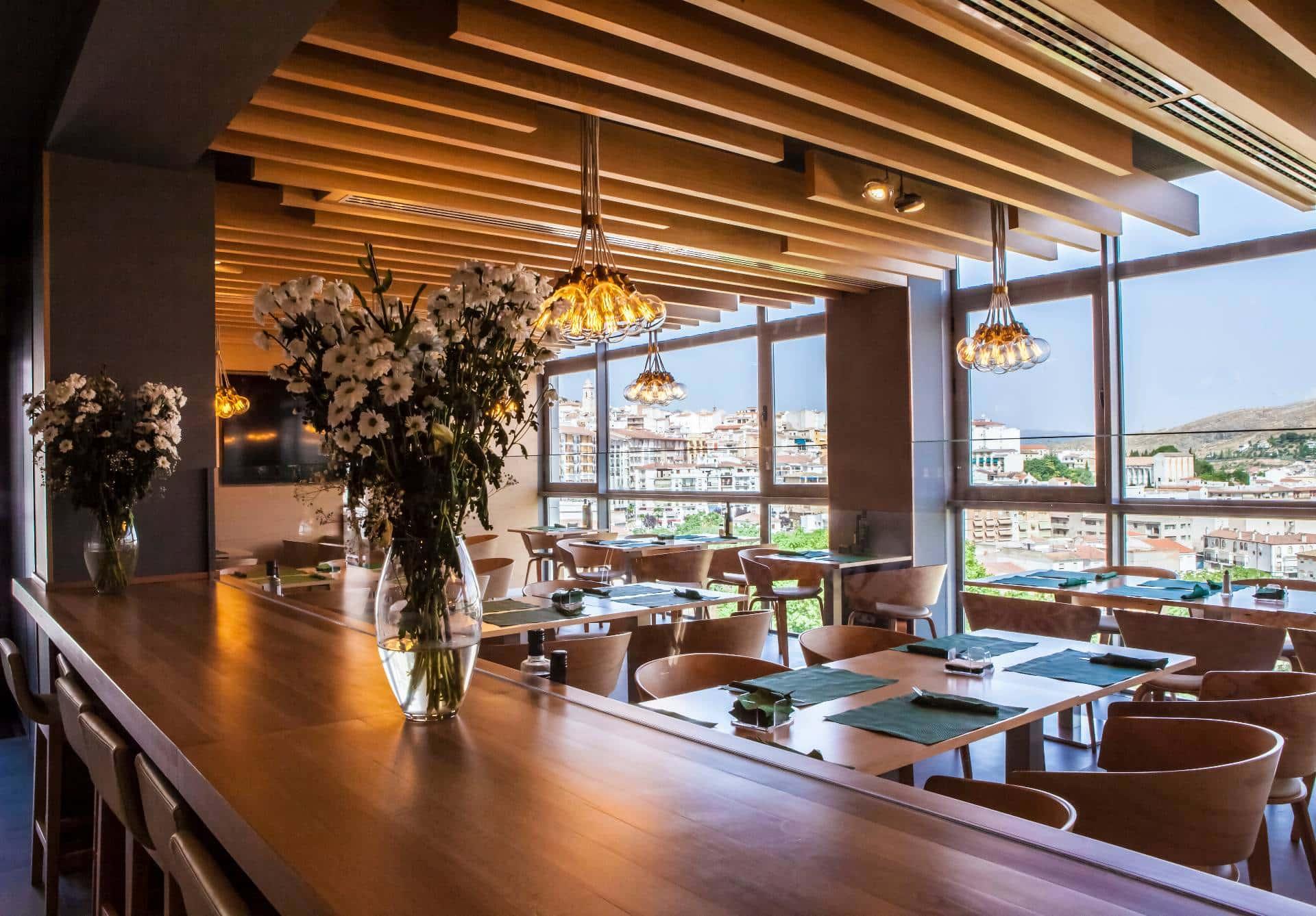 Nueva imagen y página web de restaurante Atracón